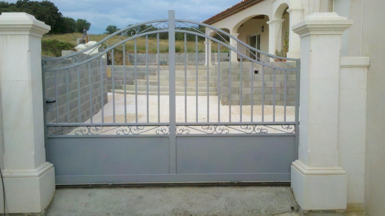 Ferronnier fabrication de portails sur mesure h rault 34 for Fabricant de portail sur mesure